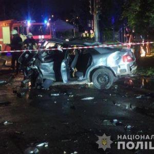 Автомобілі перетворились на брухт: у Черкасах у ДТП загинуло троє людей (фото)