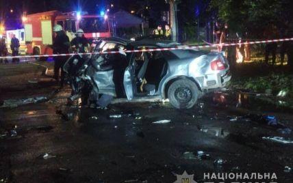 От автомобилей остался только лом: в Черкассах в ДТП погибли три человека (фото)
