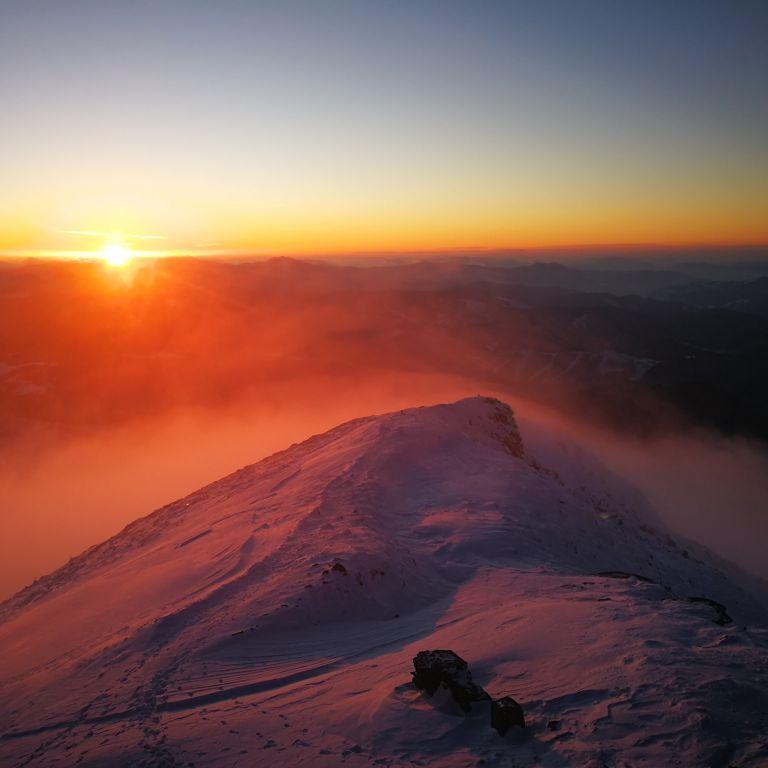 Погода в Карпатах на выходные: синоптики предупредили о лавинной опасности