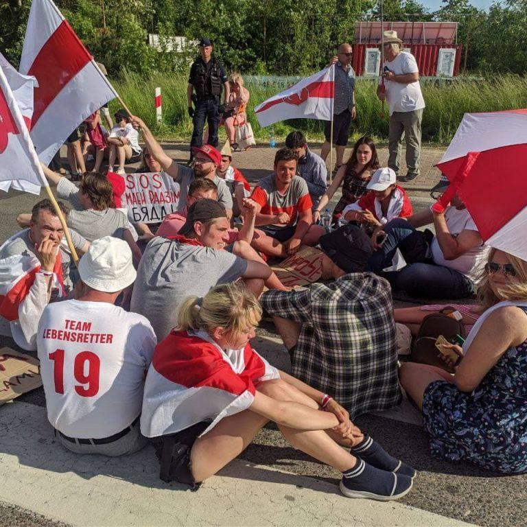 Белорусы Польши, Литвы и Украины планируют перекрывать движение и пикетировать на пограничных пунктах