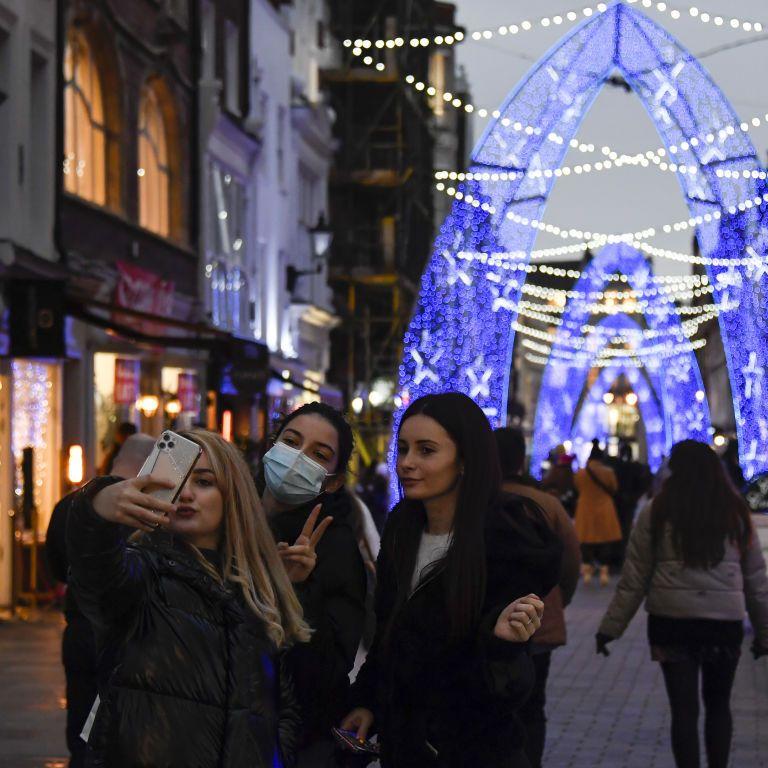 Коронавірус в Україні 3 грудня: чи робитимуть щеплення дітям та які будуть обмеження на новорічні свята