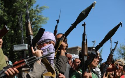 """""""На дорогах лежать трупи"""": що відбувається в охопленому бойовими діями Афганістані"""