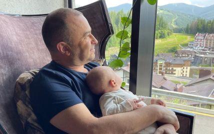 Віктор Павлік зізнався, що переймається через свою різницю у віці з новонародженим сином
