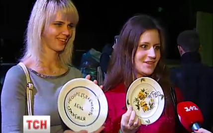 Как киевляне боролись с хандрой: массовая драка подушками и разбитые тарелки