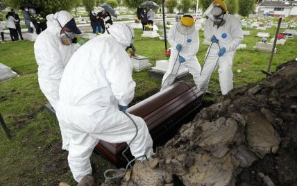 """В США коронавирус убил больше людей, чем пандемия """"испанки"""" 1918 года"""