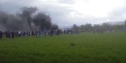 В Алжирі розбився літак, на борту якого було 200 військових