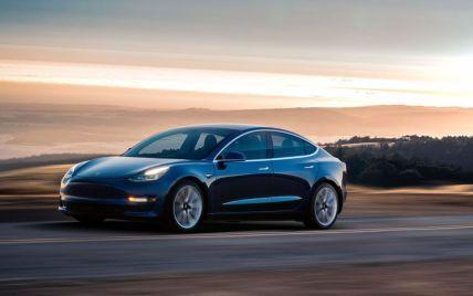 Во Флориде Tesla Model 3 на автопилоте влетела в дерево и загорелась: водитель и пассажир сгорели заживо