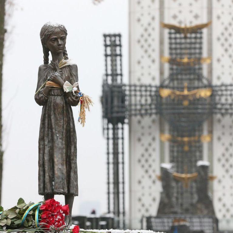 """""""Клей вишні — найсмачніший із всіх"""": українці діляться зворушливими родинними історіями про Голодомор"""