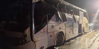 В аварії  автобуса в Єгипті загинуло 12 людей: понад 30 травмованих