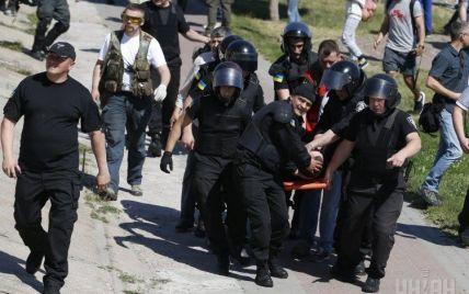 Возросло количество пострадавших милиционеров во время столкновений на гей-параде в Киеве