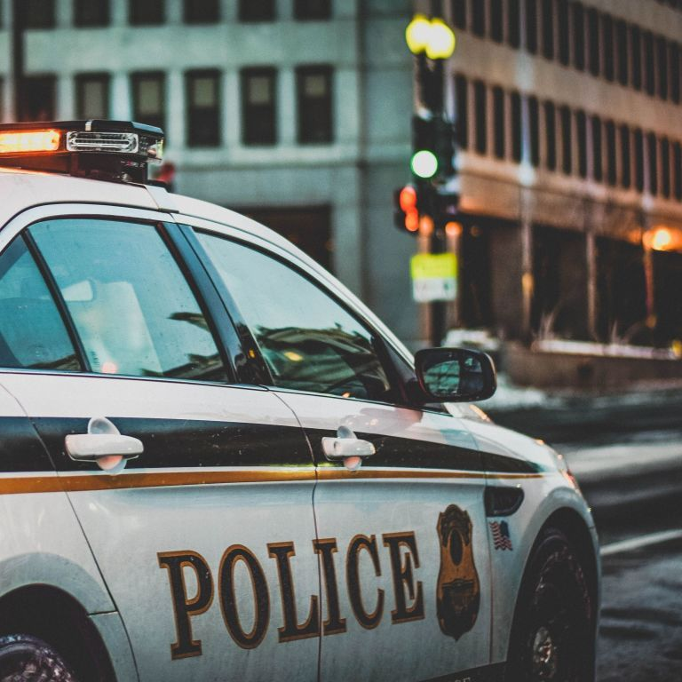 В США шестиклассница пришла в школу с пистолетом и выстрелила в двоих учеников