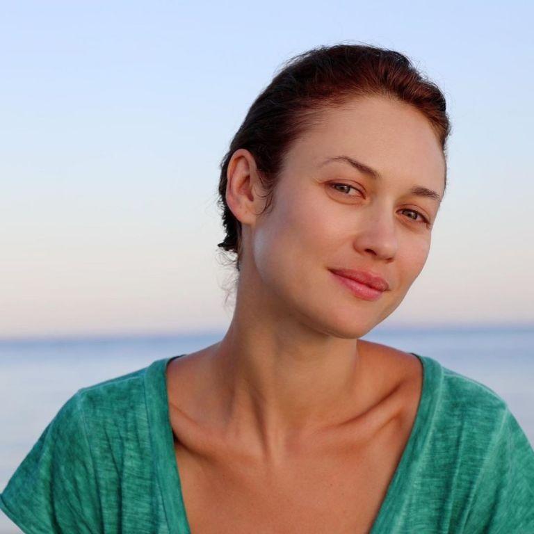 40-річна Ольга Куриленко у відвертому купальнику похизувалася стрункістю