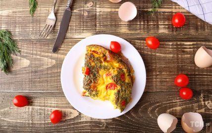Омлет під шубою: чудова ідея для розкішного сніданку