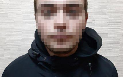 В Киеве вандалу с Аллеи художников вынесли приговор: фото