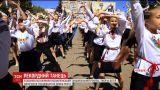 Более тысячи детей одновременно станцевали в Обухове и установили новый рекорд