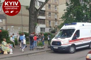 В Киеве двухлетний ребенок выпал из окна девятого этажа