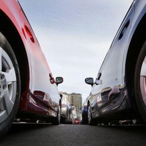 Балансировка колес на автомобиле: в каких случаях это нужно делать во время сезонной замены шин