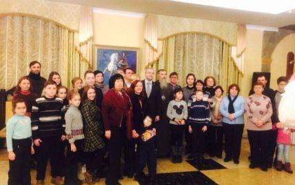 """Благодійний концерт для дітей, чиї батьки загинули в АТО, відбувся в готелі """"Супутник"""""""