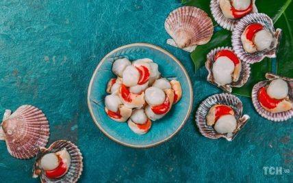 Як приготувати голубці з морепродуктів із двома соусами