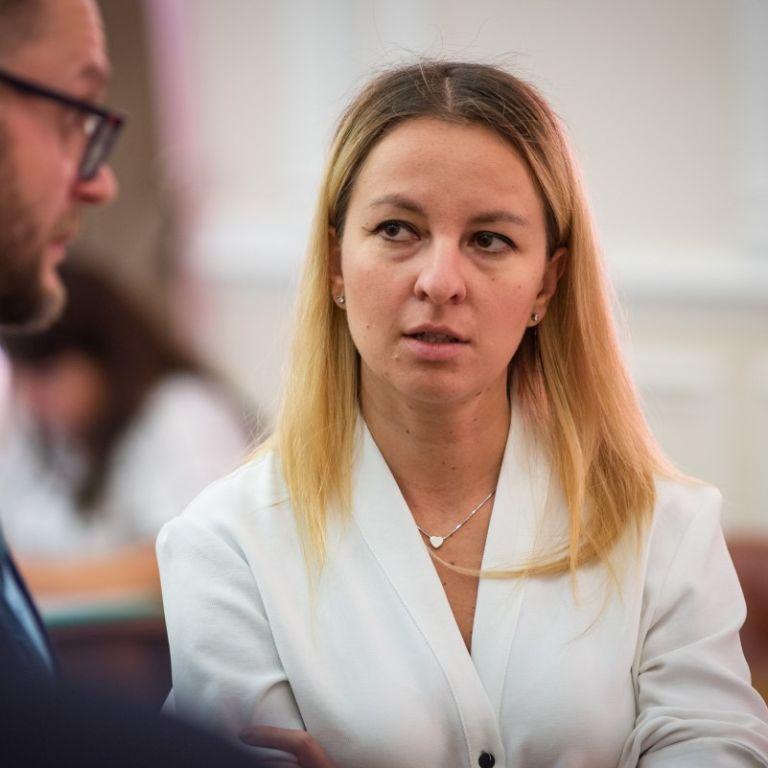 Міністерка соцполітики пояснила, чому на 2020 рік зменшили видатки на субсидії