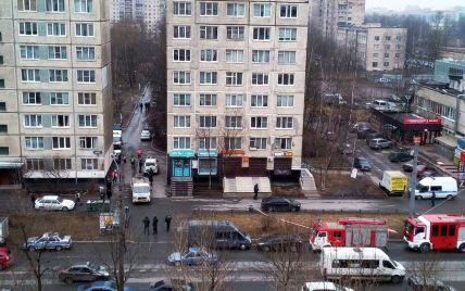 В Санкт-Петербурге в доме обезвредили бомбу и задержали трех мужчин