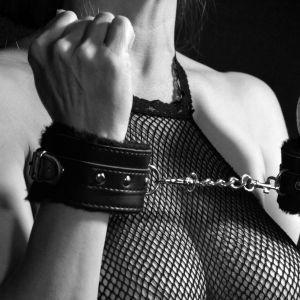 Нові правила сексу для українців: артисти жартують, юристи радять, а поліція готується розслідувати