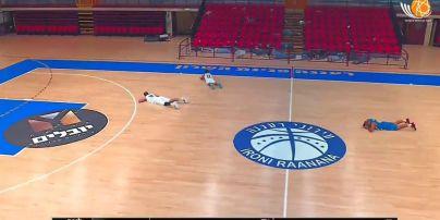 Шок для игроков и фанатов: баскетбольный матч в Израиле прервала ракетная атака (видео)