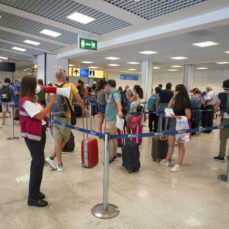 """Украину добавили в список """"зеленых"""" стран: в МИД объяснили, могут ли граждане уже путешествовать по Европе"""