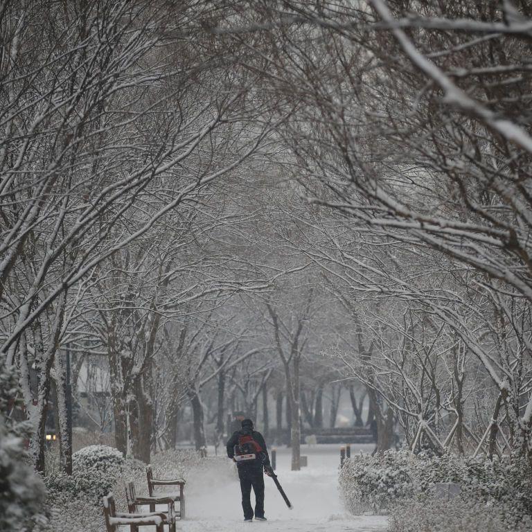 Негода не вщухає: Україну засипатиме снігом та вдарять сильні морози