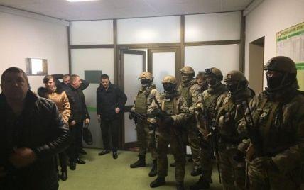 У Волинську облраду з обшуками прийшли десятки озброєних працівників Генпрокуратури - Палиця