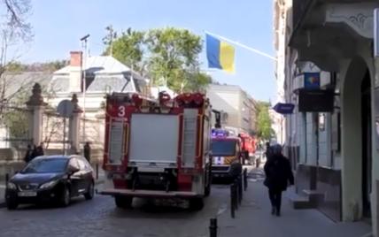 В центре Львова вспыхнул отель: спасатели эвакуировали 10 человек
