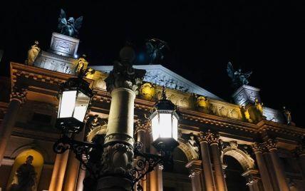 Місто, яке годують туристи: у Львові гостей приймають навіть у будівлі мерії