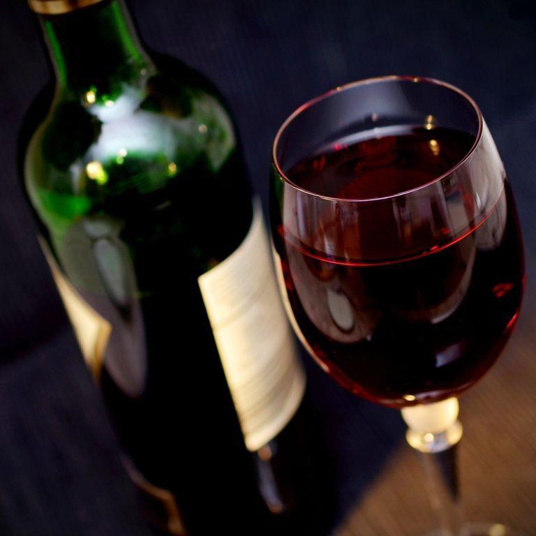 Вино, яке прилетіло з МКС на Землю, продадуть на аукціоні