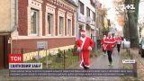 У Німеччині відбувся святковий забіг Санта Клаусів
