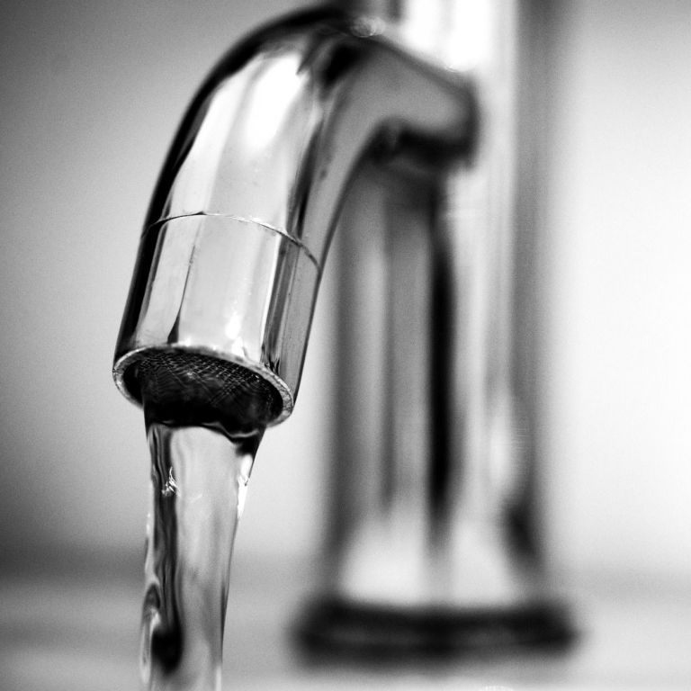 Цинк, марганец, бактерии: украинская вода несет немалую угрозу здоровью людей