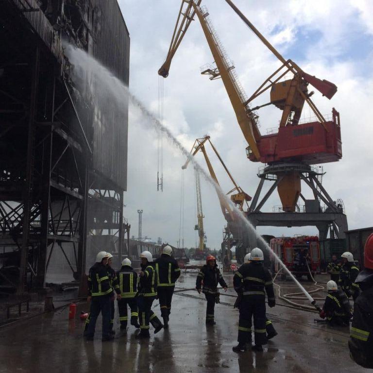 У миколаївському порту спалахнула пожежа: що зайнялося