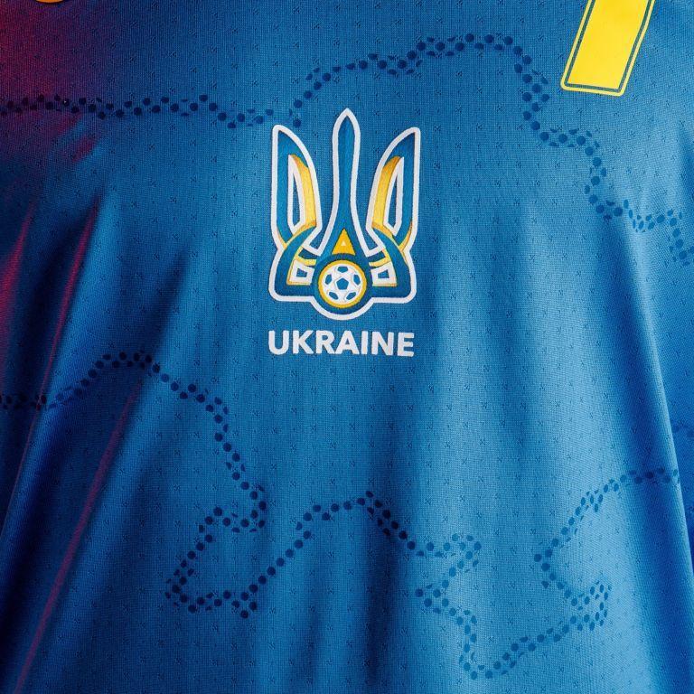"""УЄФА підписав спонсорську угоду з """"Газпромом"""" перед забороною гасла """"Героям слава"""" на формі України"""