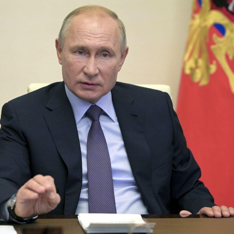 Путін їде до анексованого Криму, щоб дати старт будівництву бойових кораблів для ВМФ РФ