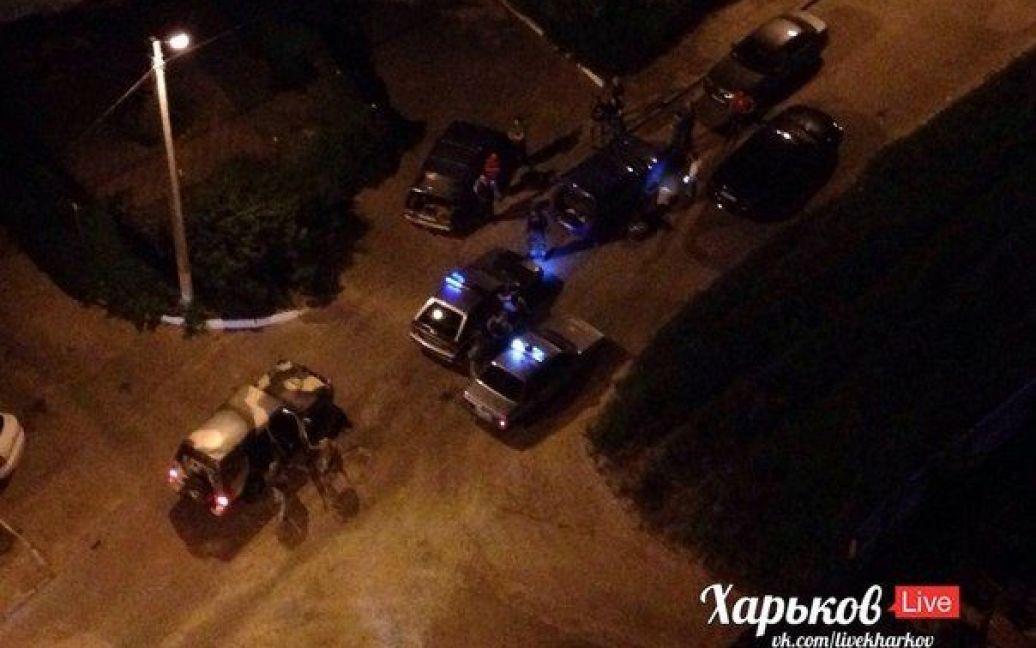 На месте происшествия работает милиция. / © ВКонтакте/Харьков live