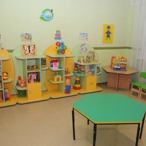 Забыла в группе: воспитательнице, из-за которой из окна детского сада в Запорожье выпал ребенок, сообщили о подозрении
