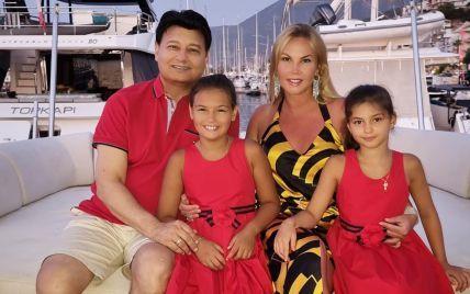 Камалия похвасталась подросшими двойняшками во время отдыха в Турции