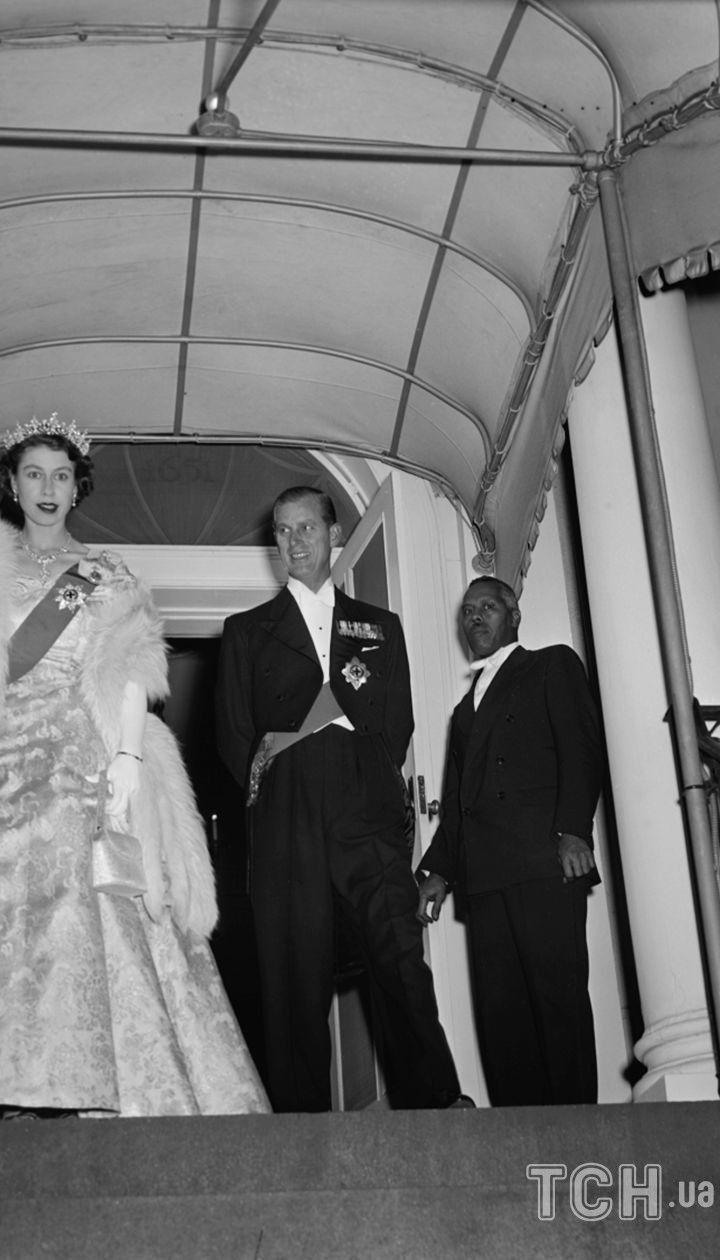 Принцеса Єлизавета, 2 листопада 1951 року. Принцеса вирушає на вечерю з президентом Гарі Труменом в канадському посольстві у Вашингтоні / © Associated Press