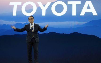 Президент Toyota розкритикував світовий тренд щодо переходу на електромобілі