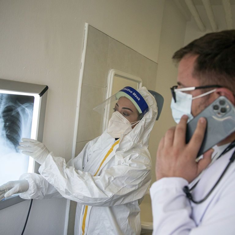Готуємось: Голубовська попередила про штам коронавірусу Delta та розказала, які вакцини проти нього ефективні