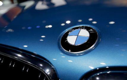 На BMW и Daimler подали в суд: от компаний требуют отказа от ДВС