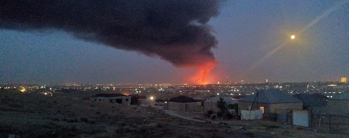 В Баку загорілася фарбова фабрика, вибухали хімікати: відео
