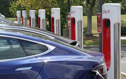 Tesla будет делиться своими зарядными станциями с электрокарами других брендов