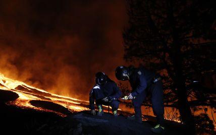 На Канарах лава з вулкана дісталася до океану: випаровування можуть бути смертельно небезпечні