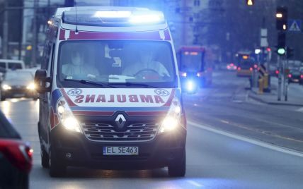 У Польщі на українського заробітчанина впала 10-тонна труба: чоловік загинув