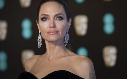 Анджелина Джоли продает один из самых дорогих подарков Брэда Питта